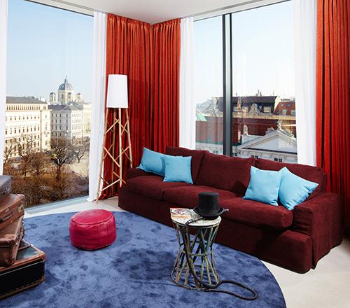 """Die Suite """"Groschenroman"""" im 25hours Hotel Wien beim Museumsquartier"""