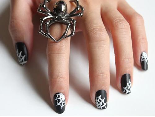 Spiderweb Nails von Syl and Sam