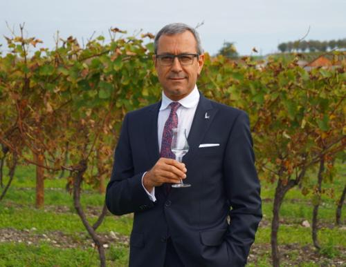 Maitre de Chai Francois Thibault ist Kreateur des berümten Grey Goose Vodkas, der in der Cognac Region hergestellt wird