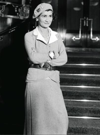 Kunst Mode die Jahrhundertfrau