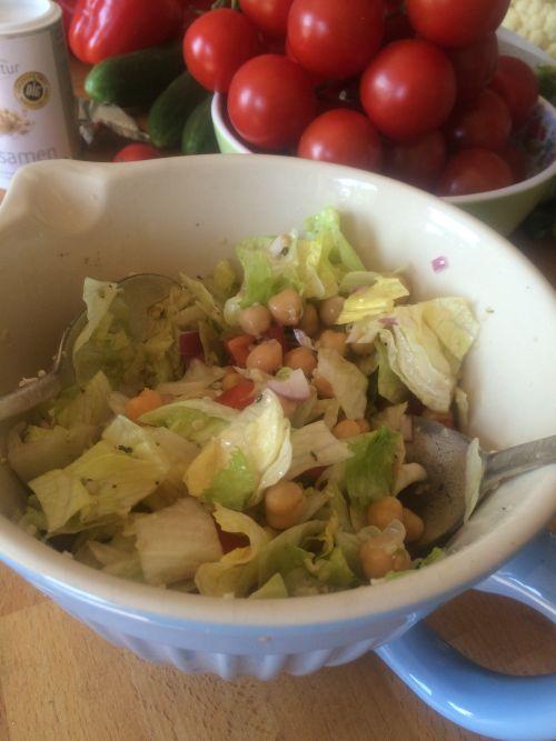 Lecker erster Salat 500