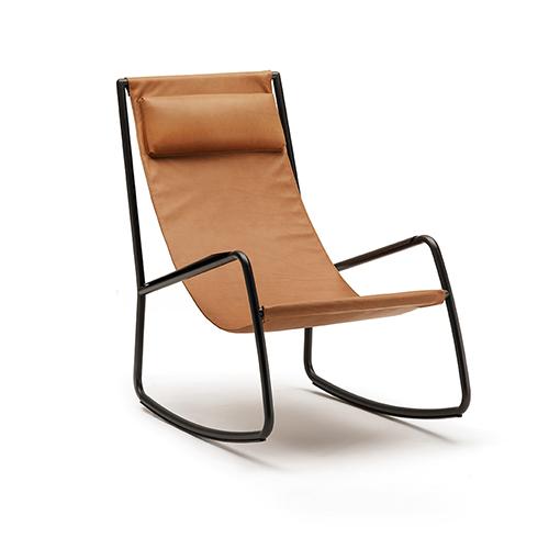 Neuinterpretation des Rocking Chair: Flow von Shibuleru für LIVING DIVANI