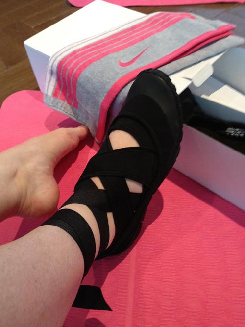 Nike Studio Wrap Der Neue Yoga Schuh Flair Fashion Home