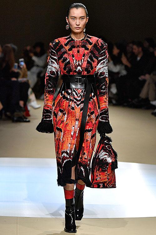 fashion week trending paris flair fashion home. Black Bedroom Furniture Sets. Home Design Ideas
