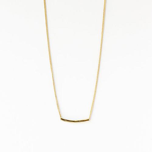 Zarte goldkette mit anhanger