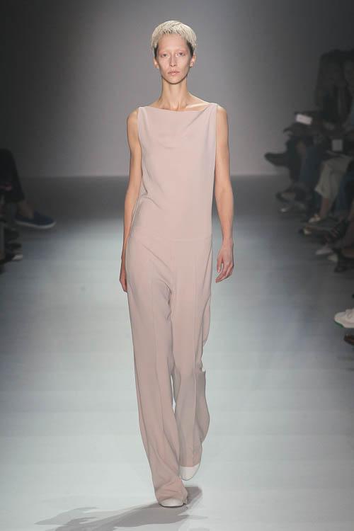 Minimalismus ist neuer fashion trend spring summer 2015 for Trend minimalismus
