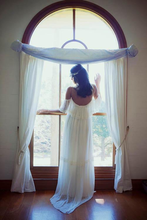 Boho Hochzeitskleid mit einer leichten Off-The-Shoulder Silouette