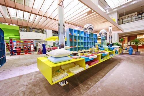 pool position fr hlingsdekoration im kadewe flair fashion home. Black Bedroom Furniture Sets. Home Design Ideas