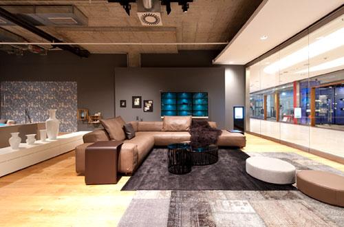 h lsta und rolf benz gemeinsamer markenstore flair fashion home. Black Bedroom Furniture Sets. Home Design Ideas