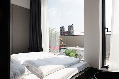 the flushing meadows ist das neue designhotel in m nchen flair fashion home. Black Bedroom Furniture Sets. Home Design Ideas