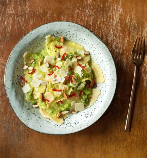 Leichte Sommer Pasta:Tomaten-Ricotta-Mezzelune